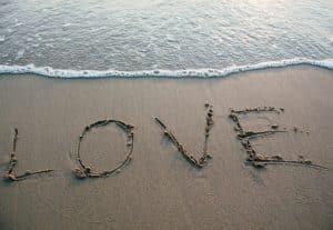 348Parašysių Jūsų norimą tekstą ant smėlio